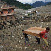 Weiter Gefahr eines Dammbruchs in Nepal