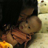 Eltern und Leihmutter streiten über Baby