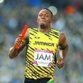 Usain Bolt führt die Staffel von Jamaika zu Gold