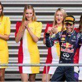 Mercedes tobt, Ricciardo jubelt
