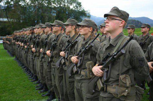 123 Rekruten wurden in Meiningen angelobt.  Foto: Hofmeister