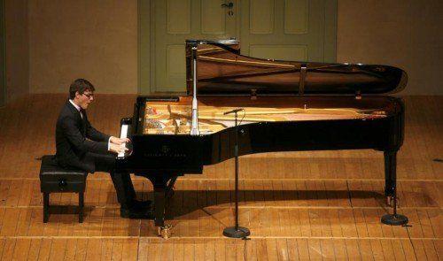 """Aaron Pilsan hat nun auch seine erste CD mit einer Beethoven-Sonate und Schuberts """"Wanderer-Fantasie"""" herausgebracht.  Schubertiade"""