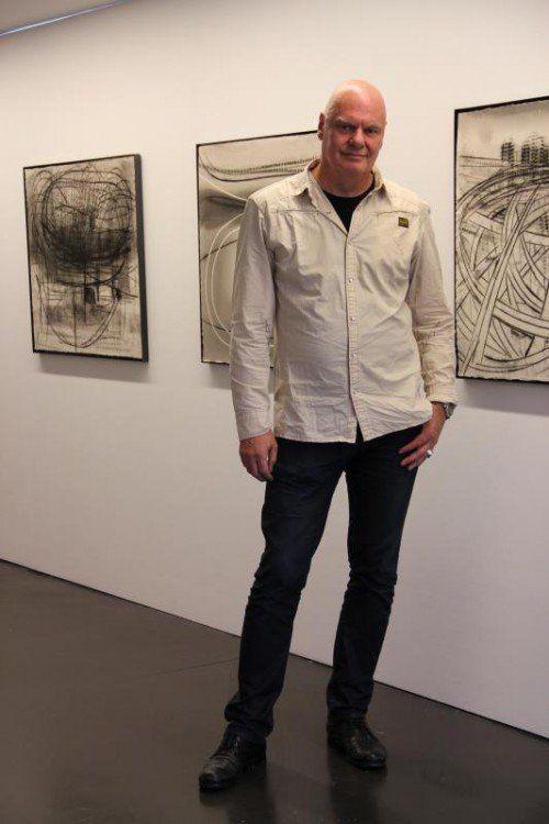 Aus Tokyo hat Ströhle Monoprints mitgebracht, die in der Galerie.Z in Hard zu sehen sind.  Foto: A. Grabher