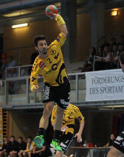 Bregenz-Goalgetter Lucas Mayer führt mit 20 Treffern nach zwei Spieltagen die HLA-Torschützenliste an. Foto: gepa