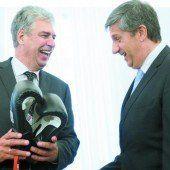 Schelling übernimmt Boxhandschuhe und Finanzministerium