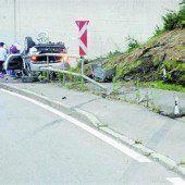 Bei Überschlag von Pkw fünf Jugendliche verletzt