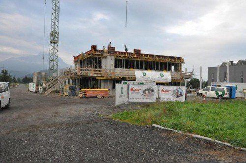 Das erste Unternehmen hat sich bereits angesiedelt – Entner Dach errichtet am Römergrund einen neuen Betriebsstandort.  Foto: mwe