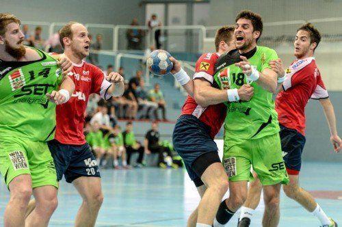 Der amtierende Meister HC Hard lieferte gegen Herausforderer West Wien eine kämpferisch starke Leistung ab und belohnte sich mit einem Sieg. gepa