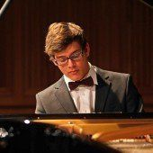 Pilsan am Klavier