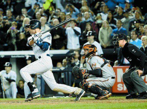 Derek Jeter mit dem letzten, siegbringenden Hit für die Yankees – nach 20 Jahren im Dress der New Yorker ist nun Schluss. Foto: apa