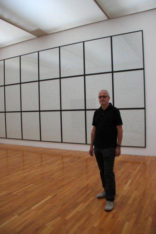 Künstler Norbert Pümpel in der Galerie allerArt.  Foto: AG