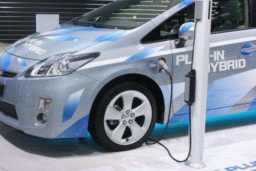 Die VN-Leserin beschäftigt sich mit der Frage, woher der Stromverbrauch für die Elektroautos kommt. Foto:VN/Gasser
