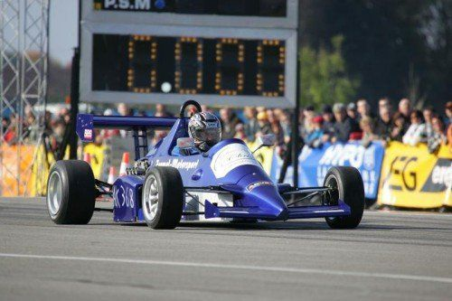 Die Welt West Crew bietet Fahrern einmal im Jahr die Möglichkeit, unter professionellen Bedingungen Drag  Racing zu fahren. foto: veranstalter