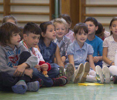 Egal ob Kindergarten oder Schule: Jeder Schritt hinaus ist für Kinder etwas, das einer guten Vorbereitung bedarf. Foto: VN/Paulitsch