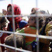 150.000 Syrer flüchten vor IS