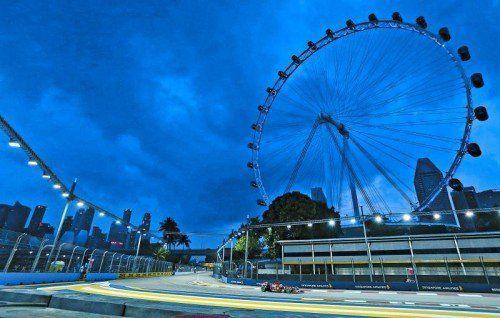 Fernando Alonso machte im ersten Training in Singapur Dampf – das Ferrari-Ass stellte die Favoriten in den Schatten. Foto: ap