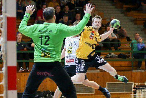 Beim 36:30 im Hinspiel erzielte Julian Rauch acht Treffer. Foto: gepa