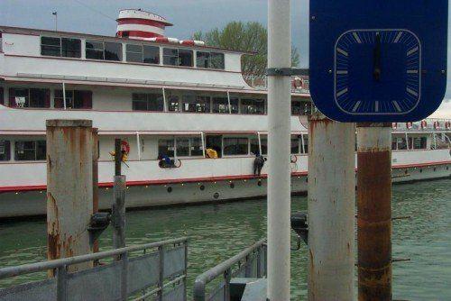 Hafen Bregenz: Erst im Morgengrauen konnte der an Bord eingesperrte Mann befreit werden und wieder Land betreten.  Foto: VN