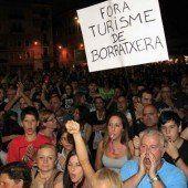 Barcelona demonstriert gegen Party-Touristen