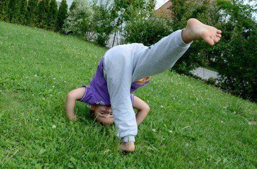 Bewegung muss Spaß machen, das gilt für Kinder wie Erwachsene gleichermaßen. Denn nur dann wird sie auch regelmäßig und gerne durchgeführt und zeigt Nutzen.