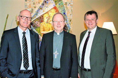 Marianum-Dir. Titus Spiegel, Bischof Benno Elbs und Christoph Thoma (v.l.). Fotos: Franc