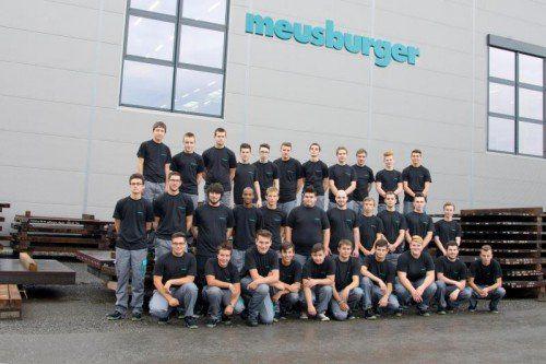 """Meusburger: Seit September bildet Meusburger in Wolfurt 34 neue Lehrlinge in vier Lehrberufen aus. Die Nachwuchsfachkräfte beginnen ihre Ausbildung in den Bereichen Zerspanungstechnik, Maschinenbautechnik, Elektrotechnik und Metallbearbeitung. Der mehrfach """"Ausgezeichnete Lehrbetrieb"""" verfügt über eine hochmoderne Lehrwerkstatt."""