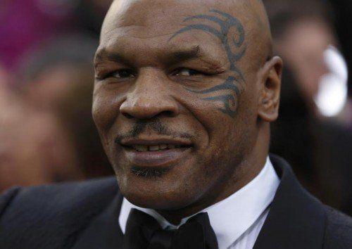 Mike Tyson ist während einer Live-Sendung ausgerastet. Rts
