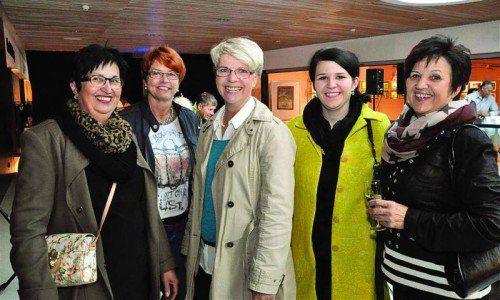 Mohrenwirtin Gerda Herburger, Waltraud Jenny, Elfi Allgäuer, Michaela Herburger und Irmi Sandholzer (v. l.). Fotos: mwe