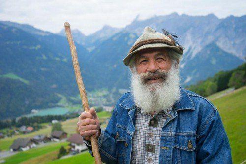 Nach einem verregneten Alpsommer kehrte Hermann Loretz, der Großhirte der Alpe Innerkapell, am Wochenende ins Tal zurück. Foto:vn/kh