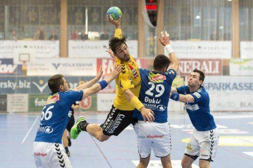 ÖHB-Teamspieler Lucas Mayer hat mit den neun Toren gegen St. Pölten seine Saisonbilanz auf 29 Treffer erhöht. Foto: vn/Stiplovsek