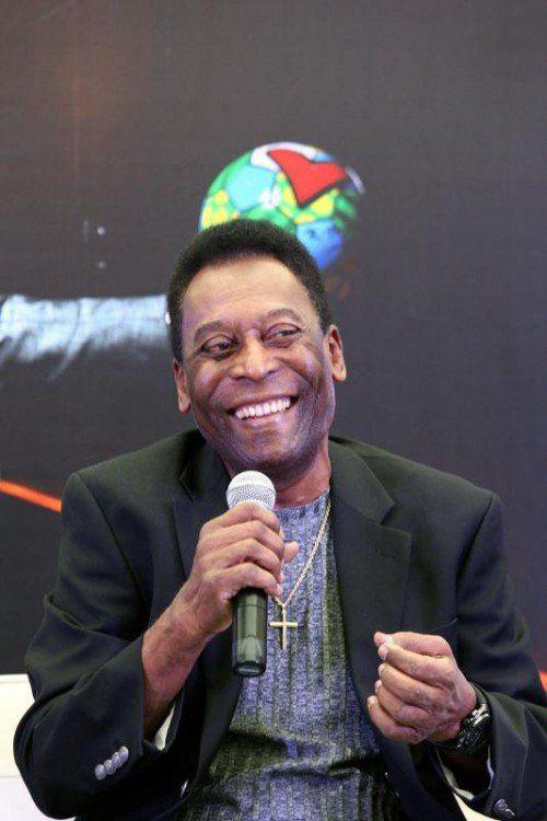 Pelé geht kein Risiko ein und lehnt das Traineramt ab. Foto: epa