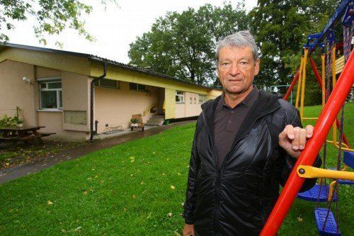 SOS Kinderdorf; Auszug der letzten Familien vor der endgültigen Schließung des Kinderdorfs.