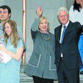 Chelsea Clinton verließ mit Charlotte die Klinik