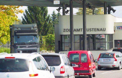 Zollbeamte aus der Schweiz reisten nach Vorarlberg, um hier eidgenössische Käufer von Hanfprodukten zu beobachten. hartinger
