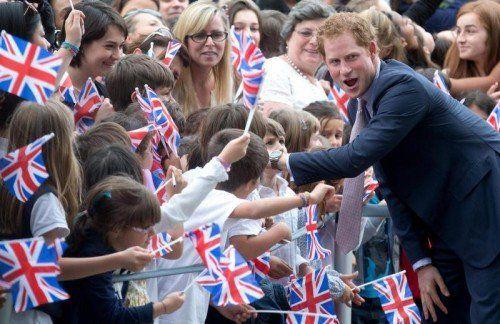 Volksnah, immer für ein Späßchen zu haben, aber nicht immer ganz frei von Skandalen: Prinz Harry. Foto: EPA