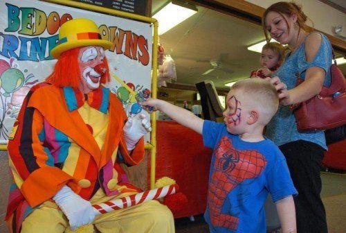 """2012 verlieh das Guinnessbuch der Rekorde """"Creeky"""" den Titel des ältesten Clowns der Welt. Foto: AP"""