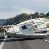 Segelboot verursachte kilometerlangen Stau