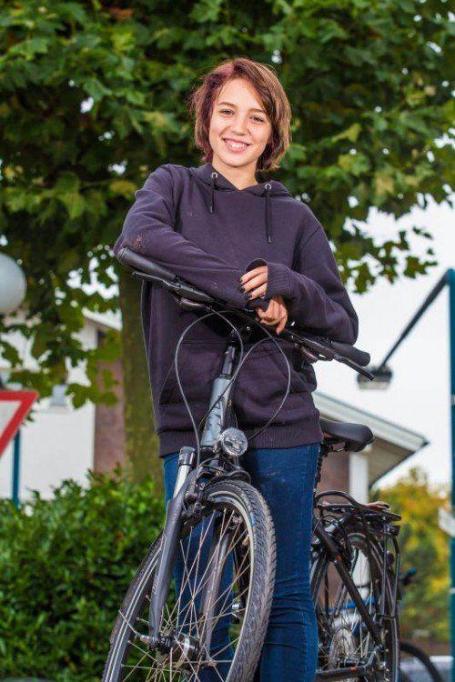 Auch Julia aus Altach wird ihr Fahrrad einem Herbstcheck unterziehen.  Fotos: VN/Steurer