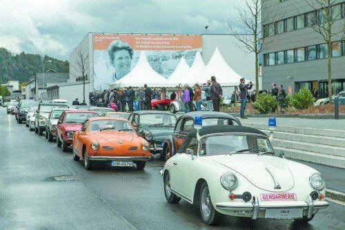 Autocorso zu Ehren von Louise Piech. Raritäten, die einen Querschnitt durch 65 Jahre Unternehmensgeschichte präsentieren.