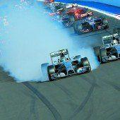 Hamilton siegt, Rosberg patzt