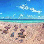 Karibik und weißer Sandstrand in Cancún