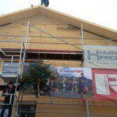 Riefensberger Dorfhus feiert Dachgleiche