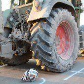 15-Jähriger rammt Traktor