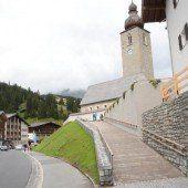 Neuer Zugang zur Pfarrkirche Lech ist fertig