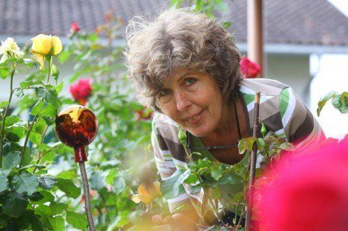 Der eigene Garten ist eine weitere große Leidenschaft von Elke Parisse. Foto: VN/Hofmeister