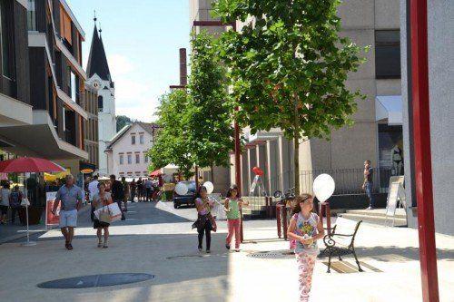 Der Garnmarkt in Götzis gilt für viele Kommunen als Vorbild für eigene Maßnahmen zur Belebung des Dorfkerns. Foto: Veronika Hotz