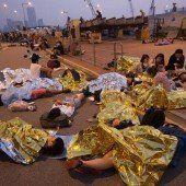 Ermittlungen gegen Polizisten in Hongkong wegen Attacke gegen einen Demonstranten