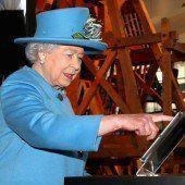 Queen sendet ersten Tweet