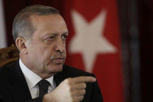 Erdogan versprach den Durchmarsch der Peschmerga.  REUTERS