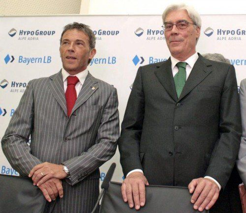 Ex-BayernLB-Chef Schmidt (r.) gestand die Bestechung von Jörg Haider (l.) im Zusammenhang mit dem Hypo-Kauf. FOTO: EPA
